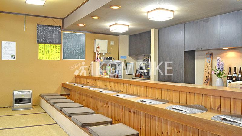 砺波の居酒屋花みづきカウンター席